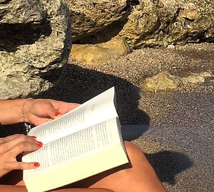 Βιβλία για να πάρεις μαζί σου στις διακοπές