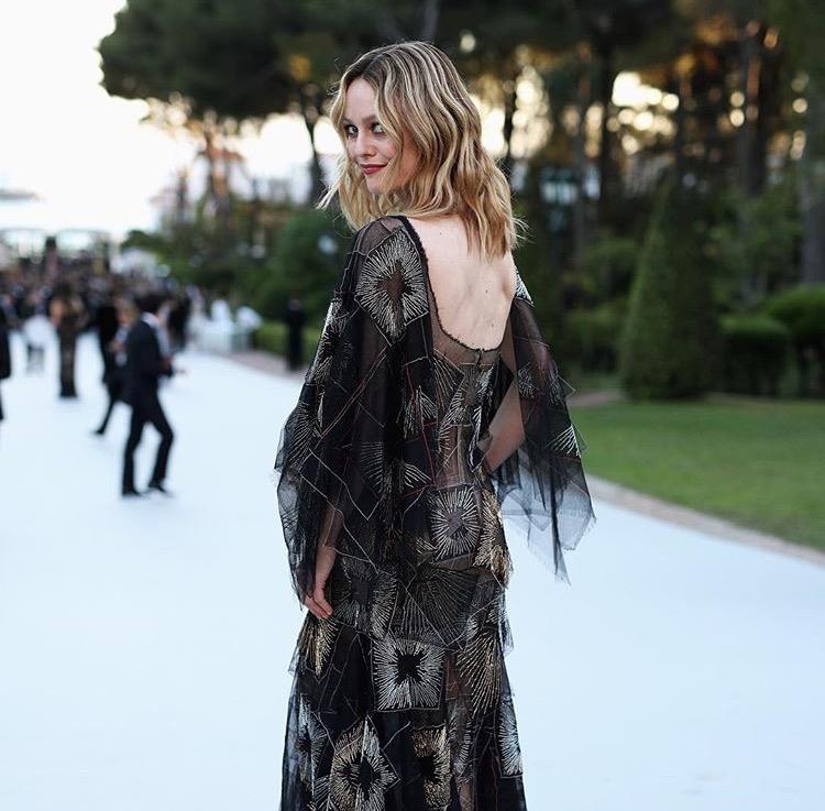 Momentsnstyle fashion beauty lifestyle blog